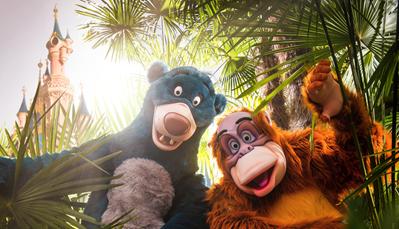 """<div style=""""text-align: justify;"""">Van 30 juni tot en met 22 september 2019 beleef je in het Disneyland® Park een gloednieuw en swingend seizoen: <strong>The Lion King & Jungle Festival</strong>! Dans mee op het ritme van de jungle, geniet van de nieuwe shows en waan je met Timon en Pumbaa, Baloe, Koning Louie en hun andere vrolijke vrienden midden in de avonturen van The Lion King en The Jungle Book.</div>"""