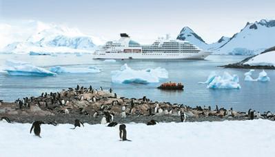 """<div style=""""text-align: justify;""""><span style=""""color:#FF0000;""""><strong>Waar kun je zoal naartoe?</strong></span><br /> De populairste expeditiecruises gaan naar de noordpoolgebied (Groenland, Noord-Canada, IJsland, Spitsbergen) en de zuidpool (Antarctica). Op de zuidpool kun je spectaculaire gletsjers zien, maar ook walvissen, albatrossen, zeehonden en pinguïns in hun natuurlijke habitat. In het noordpoolgebied kun je ijsberen zien en het noorderlicht.</div>"""