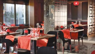 """<div style=""""text-align: justify;"""">Tijdens je verblijf in dit hotel geniet je van het all-in concept. Dat betekent dat je ontbijt, middag- en avondmaal voor je geregeld zijn, met enkele extra&rsquo;s. Zo mag je&nbsp; 1x per week je avondmaal gebruiken in het Turks, Italiaans of Aziatisch à la carte restaurant. Er staan ook steeds extra snacks voor je klaar, zoals patisserie, pannenkoeken of wafels. Je geniet ook van een selectie alcoholische en niet-alcoholische dranken.</div>"""