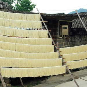 Drogende noodles in Guilin