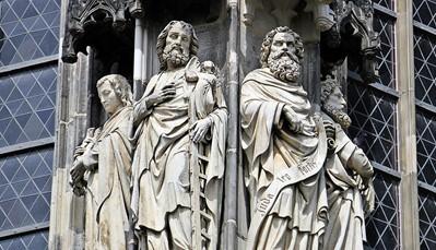 """<span style=""""color:#FF0000;""""><strong>Nog meer inspiratie?</strong></span> <div style=""""text-align: justify;"""">Bezoek zeker ook de <em>Dom van Aken</em>, een van de oudste kathedralen van Europa, en de <em>Dom van Keulen</em>, die met zo&rsquo;n 20.000 bezoekers per dag de populairste bezienswaardigheid in Duitsland is. Vanuit Brussel-Zuid reis je in 1u11min naar Aaken 1u48min naar Keulen. Vraag ons gerust meer informatie. We stippelen graag de beste route voor je uit.</div>"""