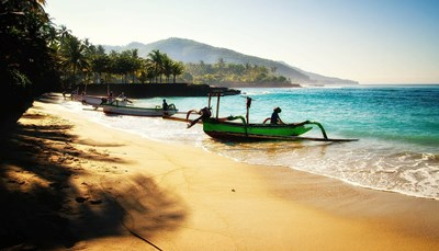 """<p><span style=""""color:#FF0000;""""><strong>Doe al je reisdromen uitkomen</strong></span><br /> Spreken paradijselijke stranden of bruisende grootsteden je tegenwoordig meer aan? Kies dan uit <strong>al onze bestemmingen en reizen</strong>. Of vertel een Selectair-reisagent wie je bent en waar je van droomt. Daarna stelt die jou een reis voor die écht bij je past.</p>"""