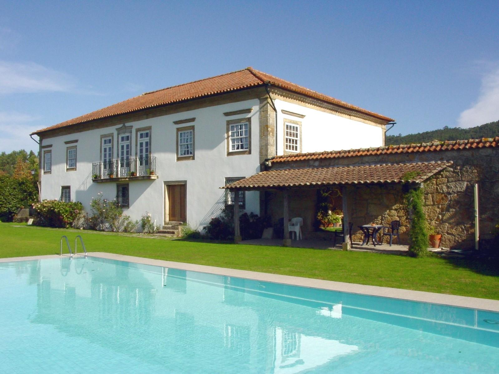 maisons au portugal great with maisons au portugal albufeira ds euros par semaine personnes. Black Bedroom Furniture Sets. Home Design Ideas
