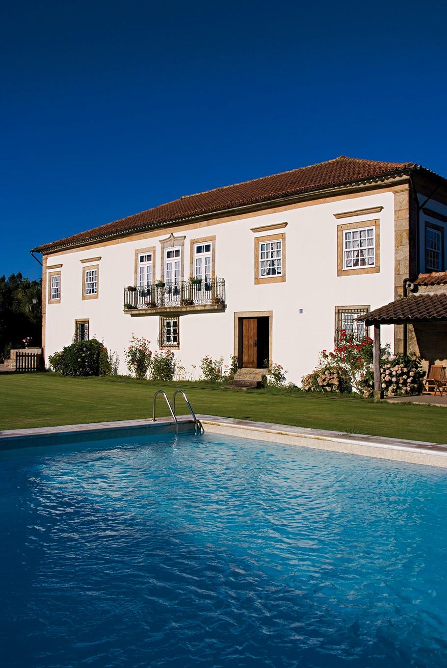 maisons au portugal interesting maisons au portugal with maisons au portugal gallery of. Black Bedroom Furniture Sets. Home Design Ideas