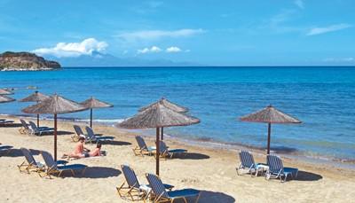 """<div style=""""text-align: justify;"""">Het TUI SENSIMAR Caravel Hotel & Spa is rustig gelegen op het Griekse eiland Zakynthos, aan een prachtig strand en op slechts 200 meter van het schattige stadje Tsilivi. Hier vind je tal van leuke winkeltjes en bars. De luchthaven ligt op 12 km van het hotel, wat betekent dat je vakantie vrijwel meteen na de landing kan beginnen.</div>"""