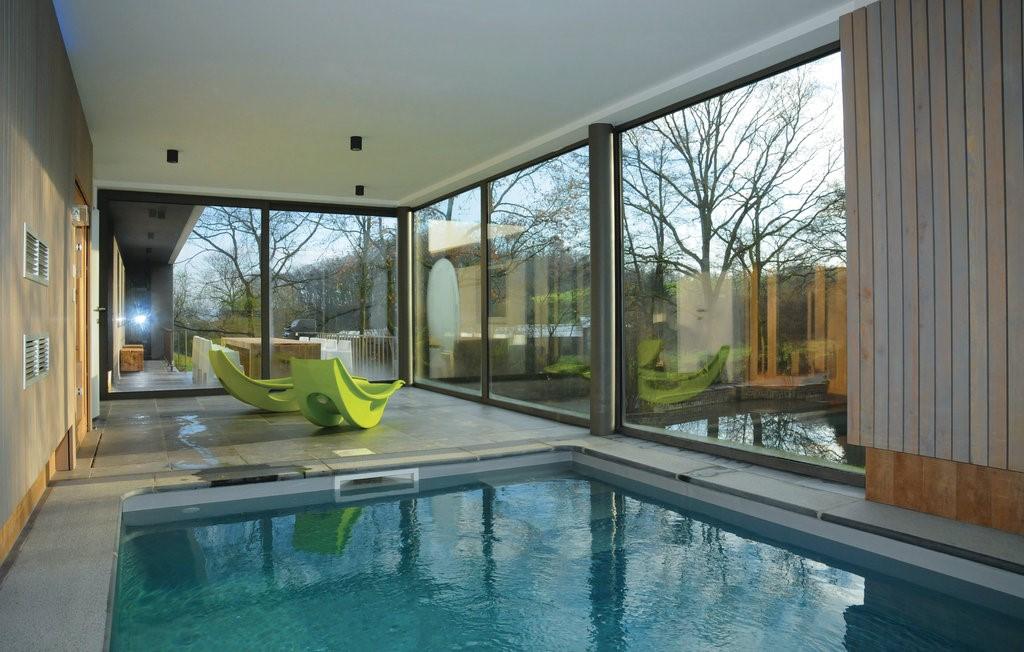 Vakantiehuis met binnenzwembad in namen selectair for Vakantiehuisjes met prive zwembad