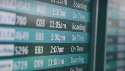 """<span style=""""color:#FF0000;""""><strong>Wat te doen als je vlucht vertraging heeft?</strong></span><br /> <br /> Check je voucher. Staat je vluchtnummer er goed op? En is de vertraging <strong>minder dan een uur</strong>? Dan hoef je niets te doen.<br /> Is je vluchtnummer niet doorgegeven? Of is de vertraging <strong>meer dan een uur</strong>? Bel de lokale verhuurder om aan te geven dat je later komt. Het nummer staat op de Sunny Cars voucher."""
