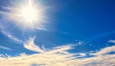 """<strong><span style=""""color:#FF0000;"""">4. </span></strong><b><strong><span style=""""color:#FF0000;"""">Heerlijk lenteweer</span></strong></b><br /> In het voorjaar (april, mei, juni) en het najaar (september, oktober) heb je in Athene aangename temperaturen rond de 20 à 25 graden. In de zomer kunnen deze oplopen tot 30 graden, wat voor sommige mensen iets te warm is. Athene is dus ideaal voor een citytrip in de lente of de nazomer, wanneer het vaak zoeken is naar een bestemming waar de zon schijnt."""