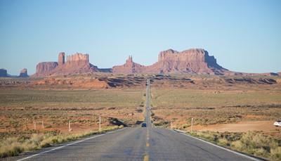 <p>We verlaten Colorado en trekken Utah binnen om een nieuw hoogtepunt te beleven: Monument Valley.</p>