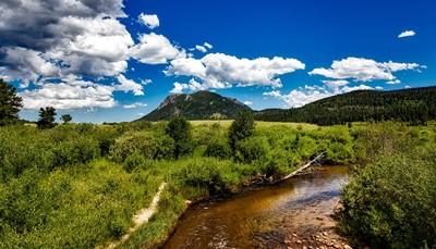 <p>U bezoekt vandaag het Rocky Mountain National Park via de Trail Ridge, een schitterend natuurgebied met spectaculaire bergen, dit gebied zou een deel van Zwitserland kunnen zijn.</p><p>Na bezoek doorkruist u het noordelijk gedeelte van Colorado en verblijft u in Rawlins gelegen in Wyoming.</p>