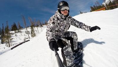 """<ul type=""""disc""""><li>Brugweekend : 31/10 tot 04/11/2018</li><li>Hotel Mutterberg Alpensporthotel 4*</li><li>Ski&euml;n tussen 2300 en 3200m hoogte</li><li>Half pension</li><li>3,5 dagen skipas</li><li>Apr&egrave;s-ski bar aan het hotel</li><li>Aan de voet van de Stubai gletsjer</li><li>Wellness en fitnessruimte</li><li>574&euro; per volwassene</li><li><strong>Beperkt aantal kamers</strong></li><li>Hotel Ibis Ulm onder de baan</li><li><a href=""""https://docs.wixstatic.com/ugd/20ae98_b0531d59a8a14da282ec2710ba4b47c7.pdf"""" rel=""""noopener noreferrer"""" target=""""_blank"""">Klik hier voor meer info</a></li><li>Inschrijving en info : nathalie@reizendl.be</li></ul>"""