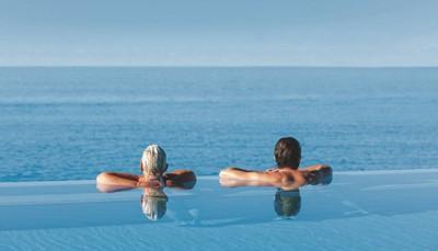 Riu Arecas is een viersterrenhotel dat zich richt op volwassenen.<b> </b>Het is er dus heerlijk rustig vertoeven. In de spa kom je tot rust en kun je genieten van de vele behandelingen. Zalig relaxen aan het zwembad of het strand, wandelen in de mooie tuin of een aperitiefje aan de bar. Het lekkere, gevarieerde eten en de centrale locatie vlakbij het strand maken je vakantie helemaal af.
