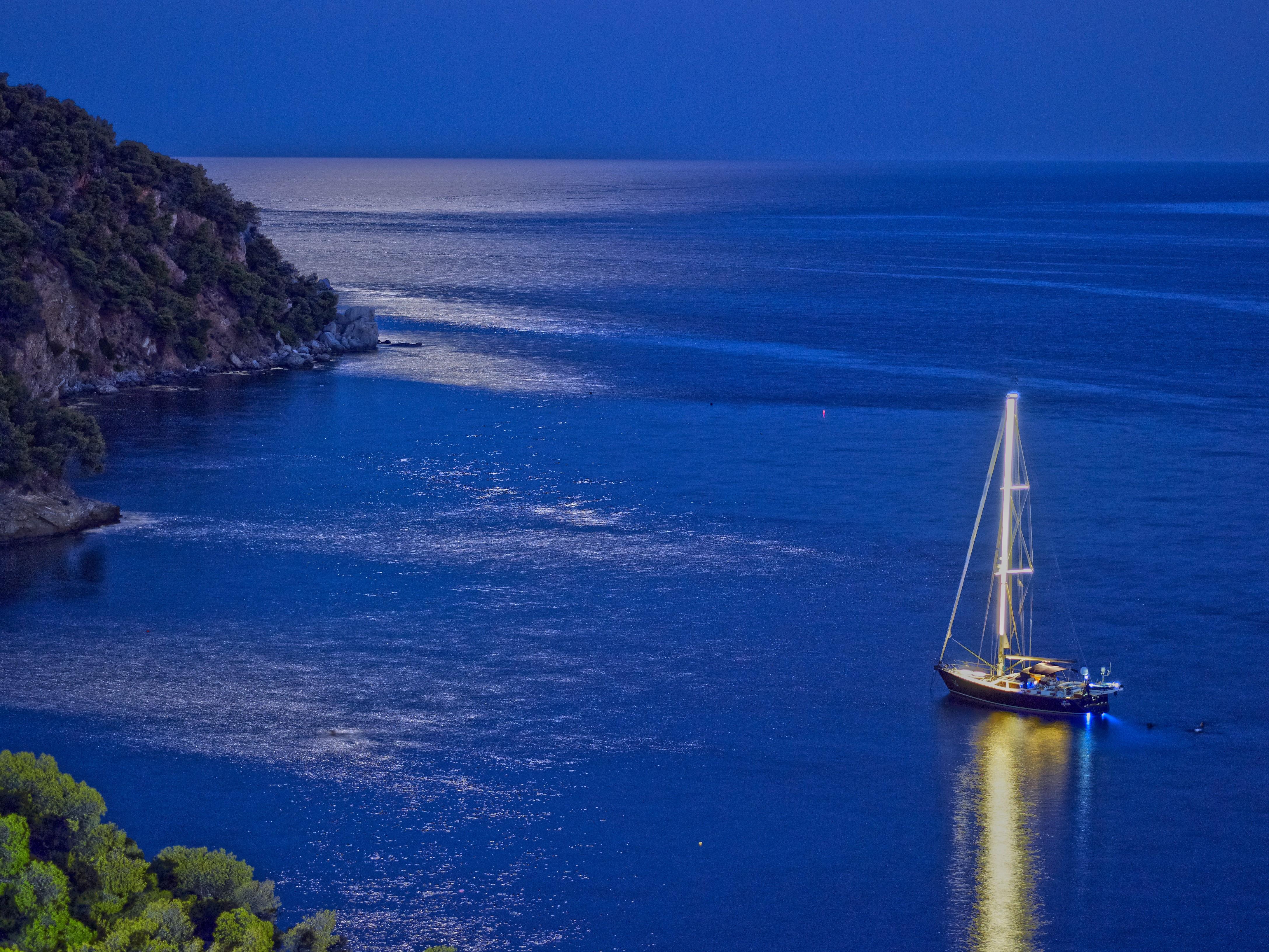 viersterrenhotel sirene blue op het griekse eiland poros selectair. Black Bedroom Furniture Sets. Home Design Ideas