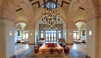 <p><br /> Wil je graag meer weten over dit hotel of over Griekenland in het algemeen?<br /> Of had je graag vrijblijvend de prijs en beschikbaarheid opgevraagd voor de periode van jouw keuze?<br /> Neem dan gerust contact op, we helpen je graag verder!</p>  <p>&nbsp;</p>