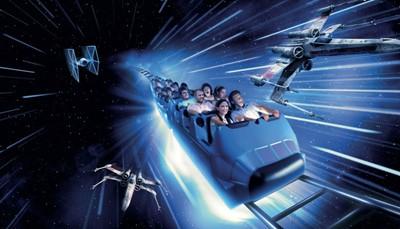 <br /> Lanceer jezelf naar Star Wars Hyperspace Mountain (openingsdatum: voorjaar 2017. Neem contact met ons op voor meer informatie), een avontuurlijke update van deze klassieke ruimteattractie. Sluit je aan bij de Rebel Alliance en vind je weg door een zwerm Imperial TIE Fighters voor je het gevecht aangaat met een dreigende Star Destroyer.