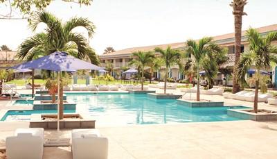 <ul> <li>Ruime, frisse kamers</li> <li>Zeer vriendelijk en behulpzaam personeel</li> <li>Vlak bij de gekende Poco Loco beachclub</li> <li>Languit zonnebaden aan de drie zwembaden</li> <li>Direct aan het zandstrand</li> <li>Reserveer t.e.m. 31 augustus: TUI-prijsgarantie</li> <li>Interessante vroegboekkorting</li> <li>Boek nu &amp; betaal later!</li> </ul>