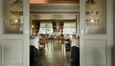 <p>Restaurant Mardaga serveert een hoogstaande, klassieke Belgisch-Franse keuken in een tijdloos kader met hedendaagse accenten. De chef is geselecteerd voor &acute;Jong Keukengeweld Vlaanderen&acute;. De keuken is gesloten op zaterdagmiddag (avond open), zondag en maandag (uitgezonderd feestdagen).</p>