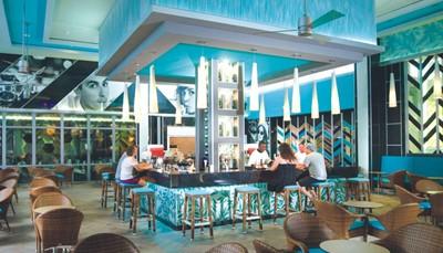 <ul> <li>Nieuw RIU hotel op Jamaica</li> <li>Adults Only vanaf 18 jaar</li> <li>All Inclusive, optimaal genieten</li> <li>Keuze uit 4 verschillende restaurants</li> <li>Direct aan het strand</li> <li>Interessante vroegboekkorting</li> <li>Boek nu & betaal later!</li> </ul>