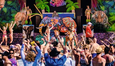 <br /> Laat je verrassen met muziek, dans en shows tijdens de zinderende Jungle, Pink Flamingo, Neon en White Parties! En dit 4 maal per week (2x &rsquo;s middags &ndash; 2 &rsquo;s avonds). Ook hier is alles uiteraard helemaal inbegrepen in de All Inclusive formule.