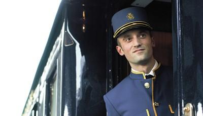 """<p style=""""text-align: justify;"""">Er zijn verschillende reizen mogelijk met deze luxetrein, maar wij kozen voor een nostalgische treinreis van Venetië naar Parijs met de Venice Simplon Orient Express. Een langer verblijf&nbsp;in Venetië en/of Parijs zijn uiteraard ook mogelijk. Vraag ons gerust vrijblijvend advies, we helpen je graag bij het uitwerken van jouw ideale reis.</p>  <p><br /> &nbsp;</p>"""