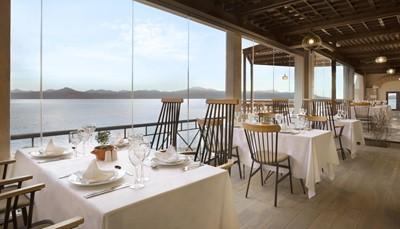 De laatste week van je vakantie breng je door in het vijfsterren Wyndham Poseidon Resort. Dit resort ligt vlak aan het strand, en op een steenworp van Epidaurus, Mycene, Nauplion en Korinthe. Alle accommodaties zijn voorzien van een moderne inrichting en zijn uitgerust met een bubbelbad en een veranda. In de 5 restaurants kan je kiezen voor internationale of authentiek Griekse menu's. Het resort biedt ook diverse sportfaciliteiten en in het wellness center kan je genieten van een spabehandeling (mits betaling).